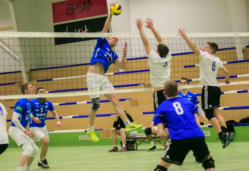 Mjølnir vann 3-1 á SÍ í Badmintonhøllini
